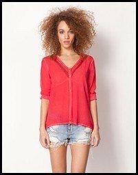 camiseta roja de bershka