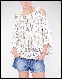 camiseta-punto-calado-stradivarius