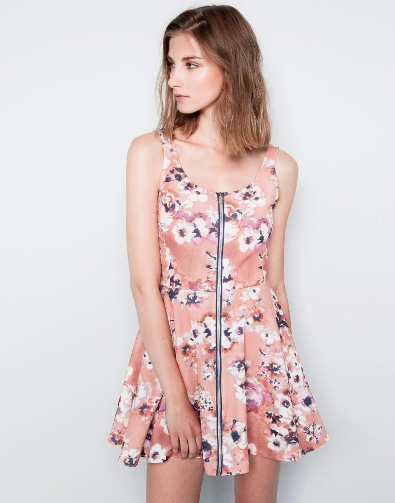 Pull and Bear vestidos estampados floreados