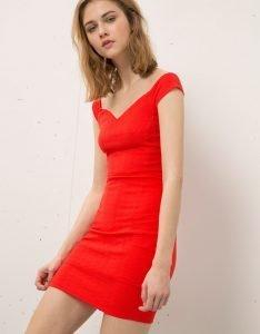 vestido rojo de bershka